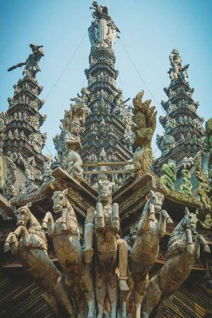 thai-temple-horses-LQ.jpg
